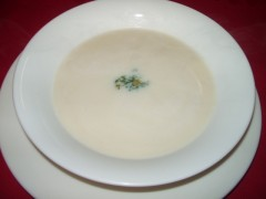 ホワイトアスパラの冷製スープ